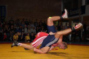 Manuel Fehrenbach ließ seinem Gegen im Freistil-Halbschwergewicht keine Chance